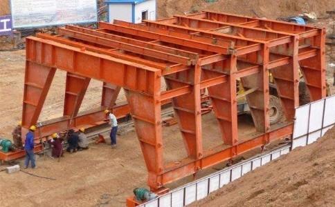 隧道台车钢模板在施工过程中须注意哪些事项呢?
